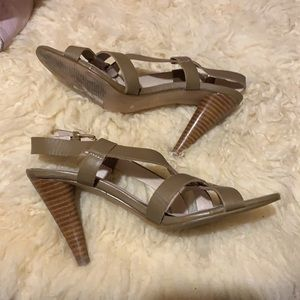 Colin Stuart leather heeled shoes